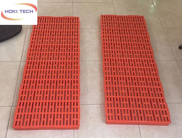Tấm nhựa lót sàn 40x110 cm